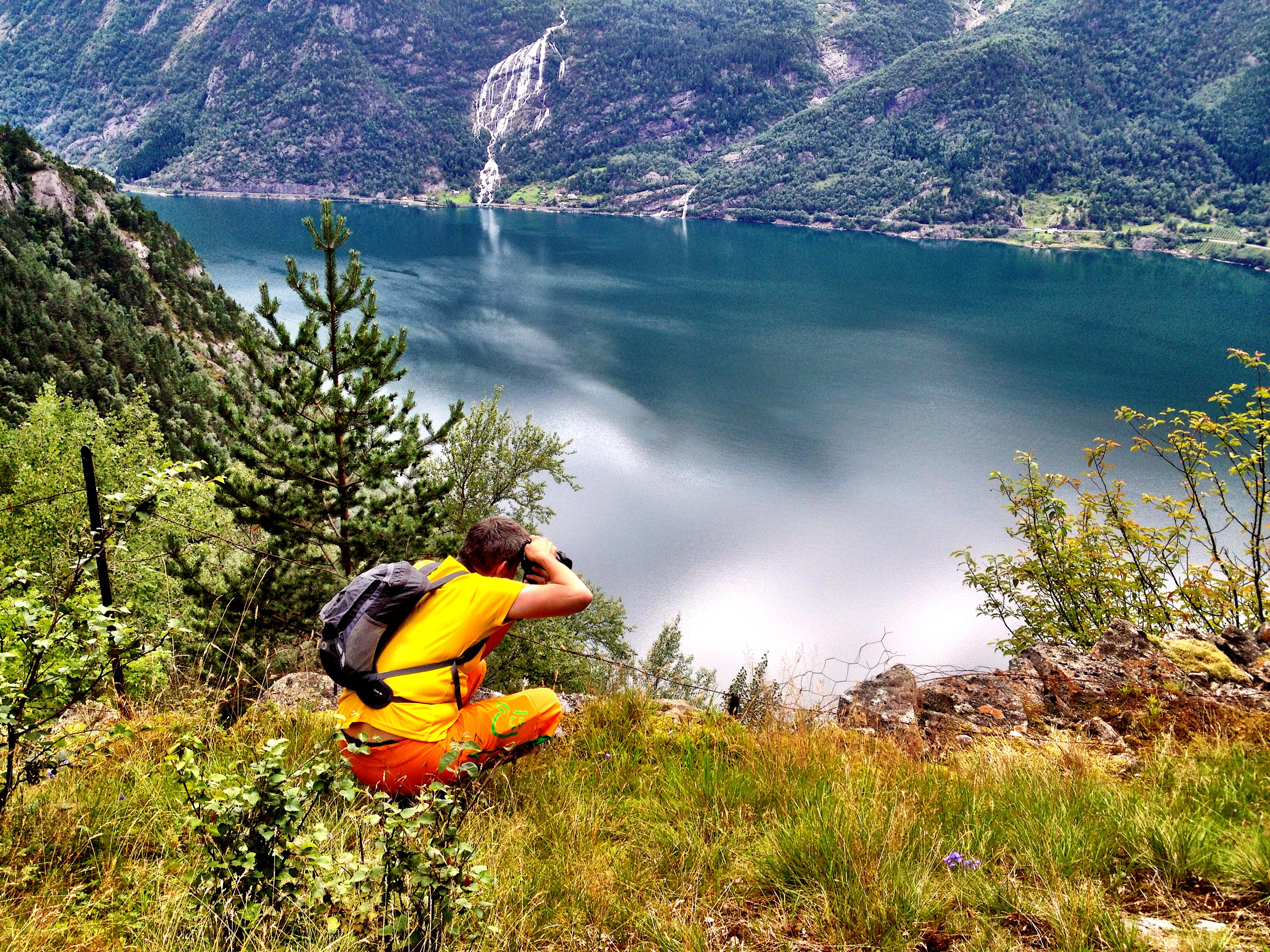 Fotografering fra Isberg og utover Sørfjorden, Hardanger